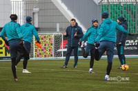 Дмитрий Кириченко (в центре)