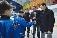 Евгений Рычков (справа)