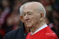 Первый удар по мячу нанёс 93-летний Никита Симонян