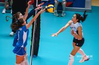 Саманта Брисио в атаке