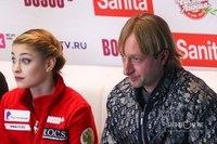 Алёна Косторная и Евгений Плющенко