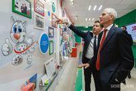 Олег Матыцин и министр спорта РТ Владимир Леонов в музее Универсиады